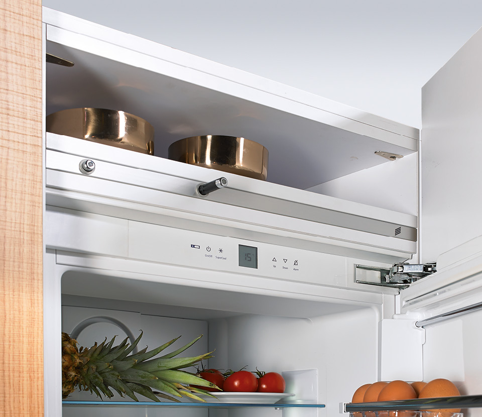 Simple, handleless and good: Easys electromechanical opening system for refrigerators